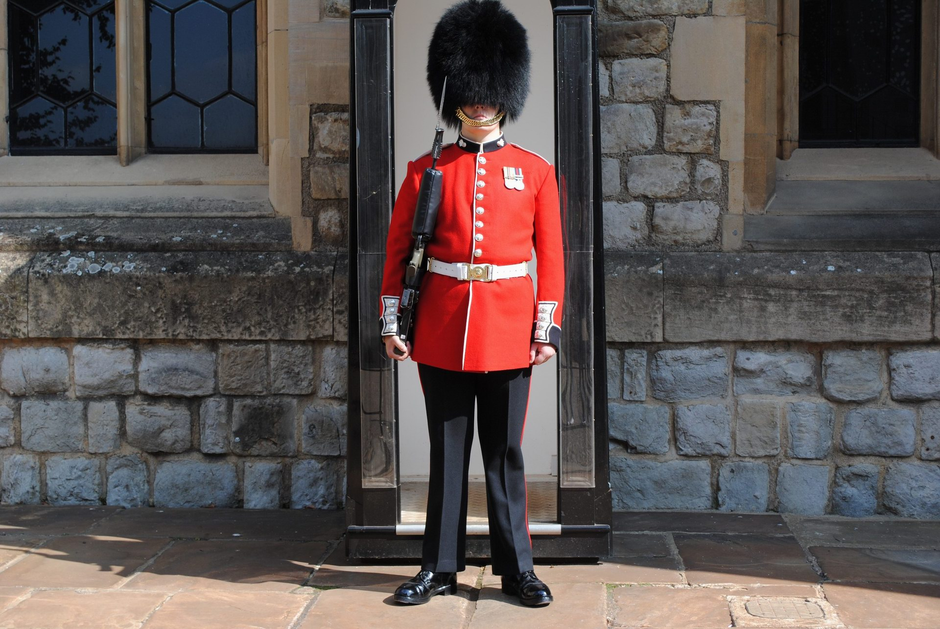 A static, fast, secure and easy to deploy Buckingham's guard